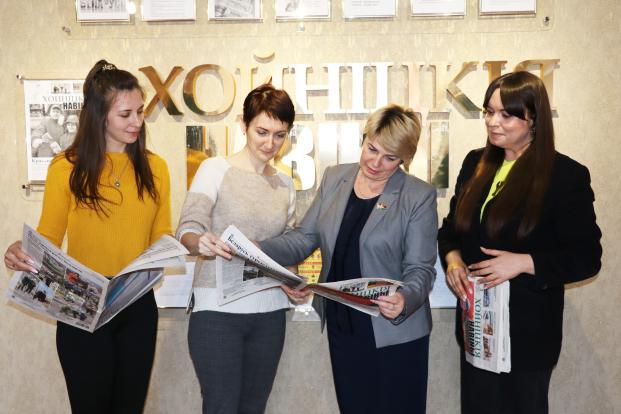 Жанна Чернявская посетила редакцию газеты «Хойникские новости»