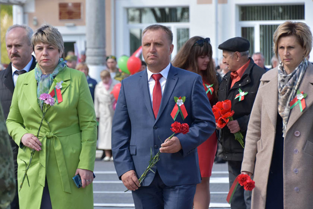 В Брагине прошел митинг в честь 76-летия Великой Победы. Жанна Чернявская приняла в нём участие