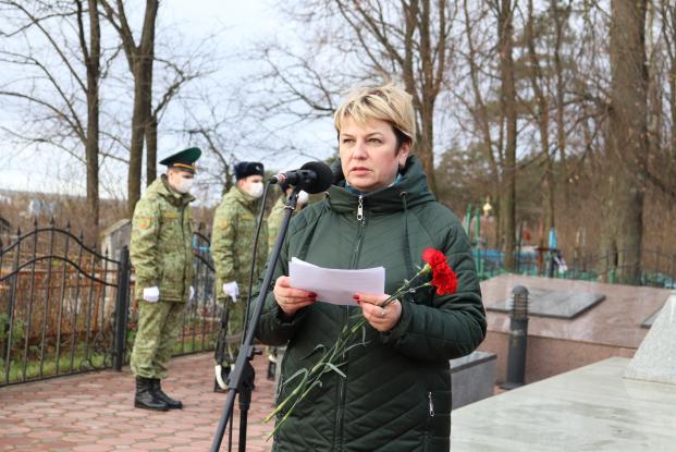 Жанна Чернявская приняла участие в мероприятиях, приуроченных к 77-й годовщине освобождения Хойникского района от немецко-фашистких захватчиков