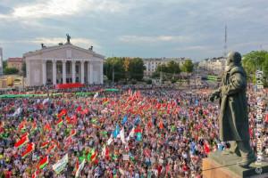 Депутат Жанна Чернявская выступила на митинге в Гомеле в поддержку мира, безопасности и спокойствия в стране